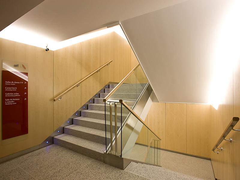Cluster del granito web t cnica - Zocalos para escaleras ...